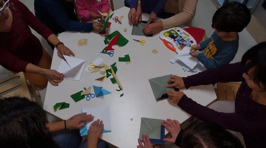 Con un foglio quadrato puoi costruire il mondo
